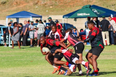Six SAI making good meters against the Tyantyi Rangers before being tackled. Photo: Stephen Kisbey-Green