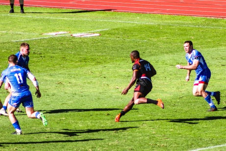 Michael Makase of the Isuzu Southern Kings lines up a counter attack against the Dragons. Photo: Stephen Kisbey-Green