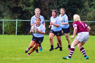 Zoe Valentine begins another fast run against Tullow. Photo: Stephen Kisbey-Green