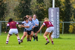 Casey O'Brien looks to step to hit the soft shoulder of the defence. Photo: Stephen Kisbey-Green