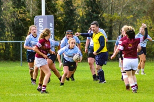 Jane Waters eyes up the defence. Photo: Stephen Kisbey-Green