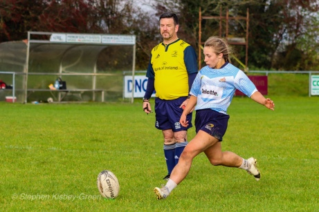 Leah Reilly lines up the conversion. Photo: Stephen Kisbey-Green