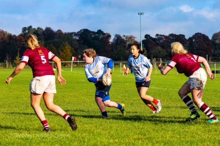 Niamh Tester looks to offload. Photo: Stephen Kisbey-Green