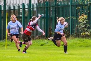 Leah Reilly runs outside the Wicklow defense to make another breakaway. Photo: Stephen Kisbey-Green