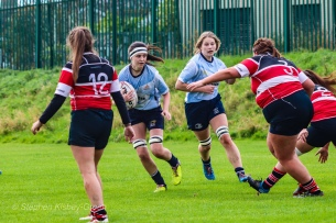 Sophie Kilburn lines up a strong run on attack. Photo: Stephen Kisbey-Green