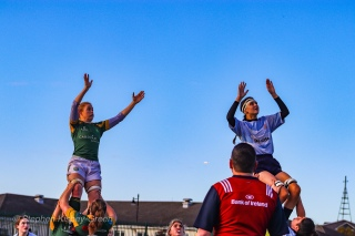 Sophie Kilburn goes up to compete at the lineout. Photo: Stephen Kisbey-Green