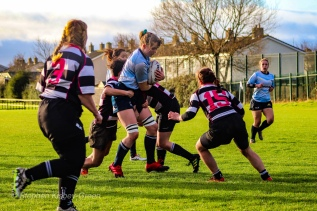 Nikki Gibson takes the ball into contact from a high ball. Photo: Stephen Kisbey-Green