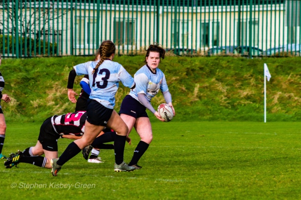 Hannah Heskin looks to offload the ball to Leah Reilly. Photo: Stephen Kisbey-Green