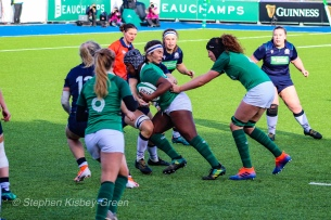 Linda Djougang uses her strength to crash into the firm Scottish defense. Photo: Stephen Kisbey-Green