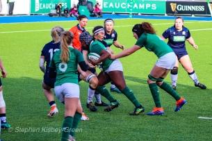 Linda Djougang uses her strength to crash into the firm Scottish defense. Photo: Stephen Kisbey-Green