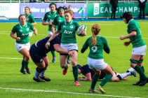 Irish Rugby on the attack against Scotland. Photo: Stephen Kisbey-Green